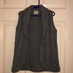 Crewcuts girls open sweater vest.